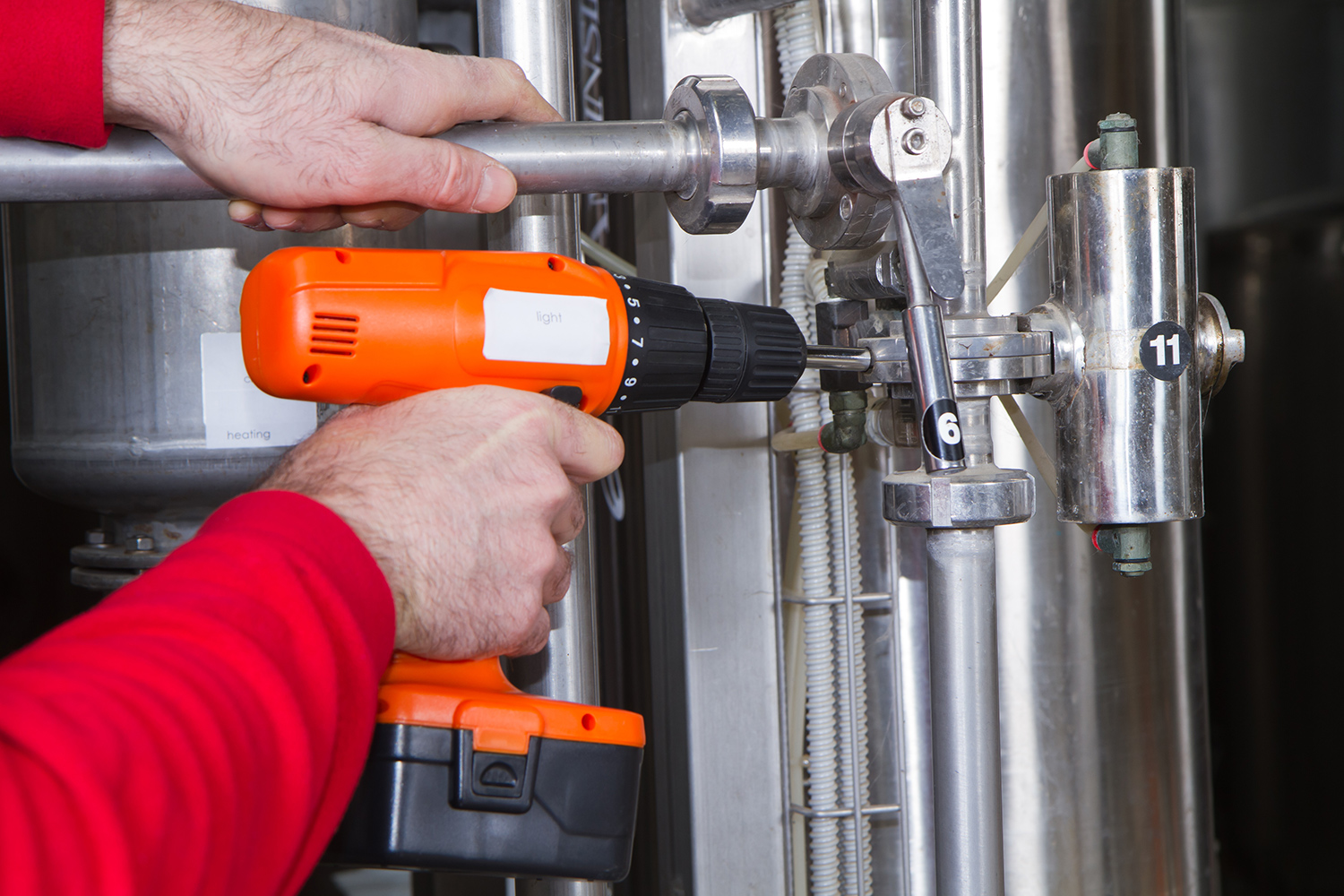 Installing Gas Oil Boilers 2 - SERVICES